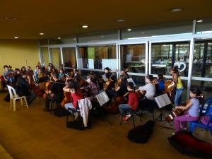 Sección de chelos ensayando en la Casa de la Música